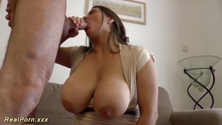 German Milf with huge boobs Gives Hot blowjob