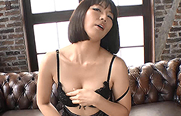 Shy Japanese Milf gets naughty by her new Friend
