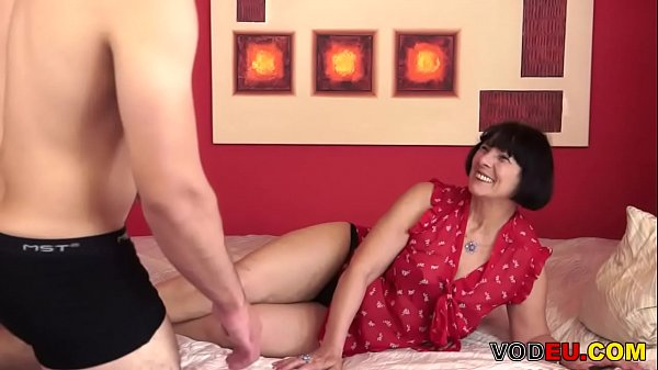 VODEU – Hairy grandma and her y. lover
