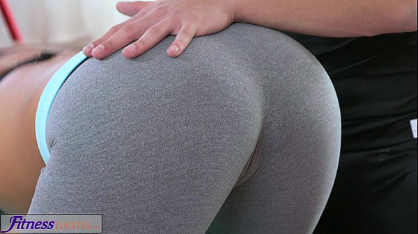FitnessRooms Multiple orgasms for black haired gym nymph